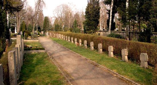 Stadtfriedhof Backnang. Einige der hier gezeigten Gräber gehören Zwangsarbeitern